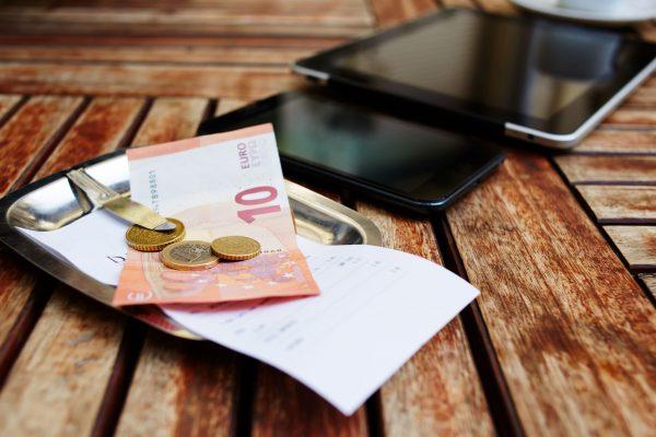 Over afschaffing van dividendbelasting en verhoging van het lage btw-tarief